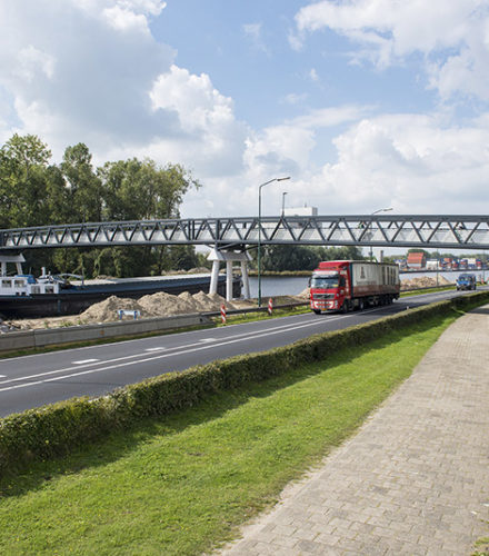 Straco Waspik rapidly growing into a bridge specialist